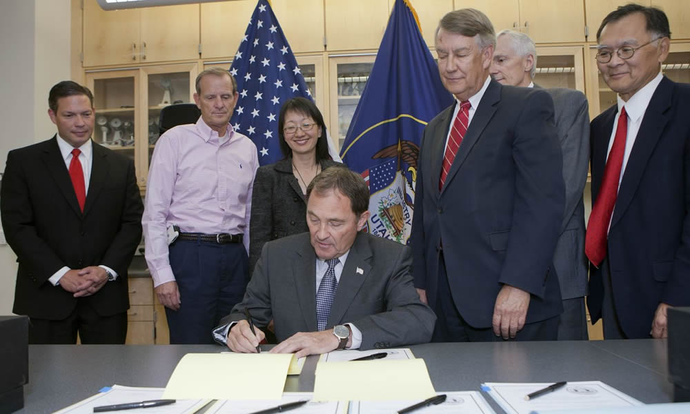 Utah Governor Gary Herbert in June signed the bill that allows the U to expand the Medical School's class size. (Photo by Kristan Jacobsen)
