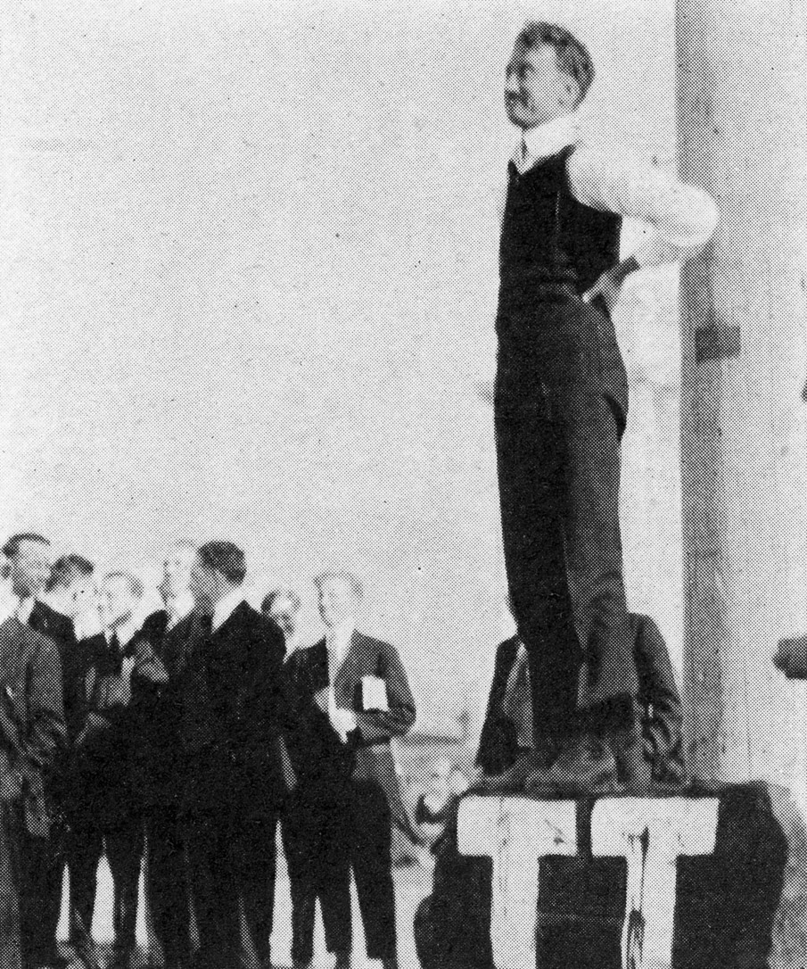 A speaker attempts to hold forth on the Rostrum in 1915, a time of turmoil over free speech issues at the University. (Photo courtesy Special Collections, J. Willard Marriott Library, University of Utah)